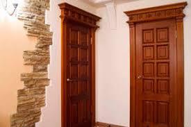 Деревянная дверь - как обязательная деталь интерьера