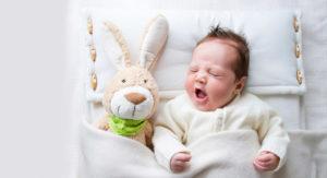 Почему спящего малыша лучше не будить?