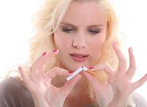 Пассивное курение мам делает детей агрессивными