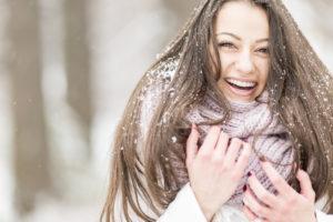 Зимний уход: как помочь волосам пережить холода?